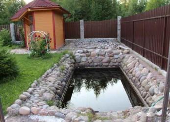 Делаем забор из камня для дачного участка