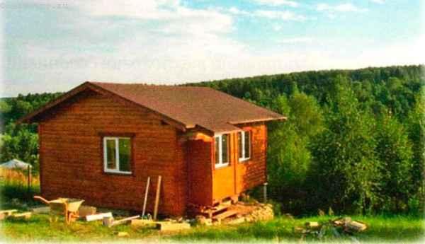 дачный дом с пологой крышей