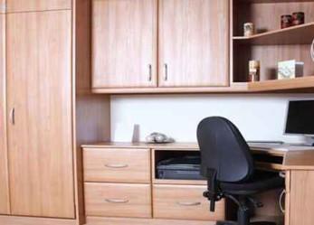 Офисная мебель на заказ или чем отличается корпусный шкаф от встроенного шкафа-купе?