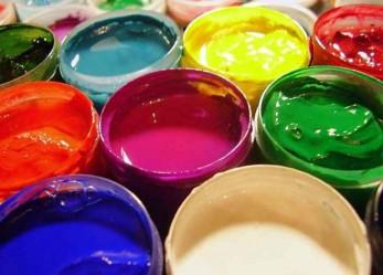 Покраска потолка водоэмульсионной краской – технология работ