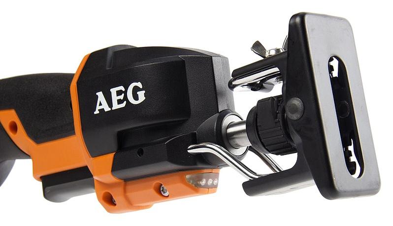 Сабельная электропила AEG US 400 XE
