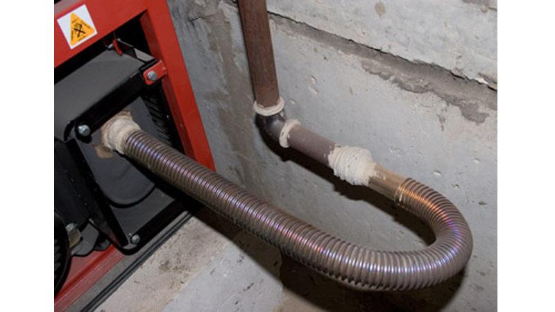 Отвод выхлопных газов от генератора