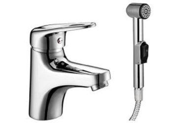 Смеситель с гигиеническим душем: особенности выбора и характеристики